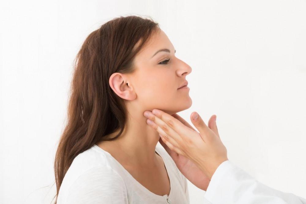 A torokgyulladás kezelése házilag