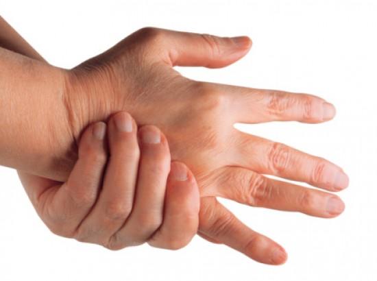 fájó ujj az ízületben ödéma a bokaízület törésével