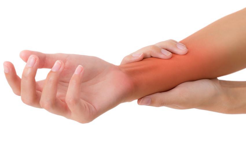 fájdalom a jobb kéz ízületében hajlítás közben)