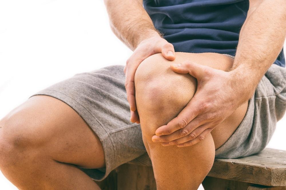a térd kereszt keresztkötésének helyreállítása a csípő artrózisa okozza