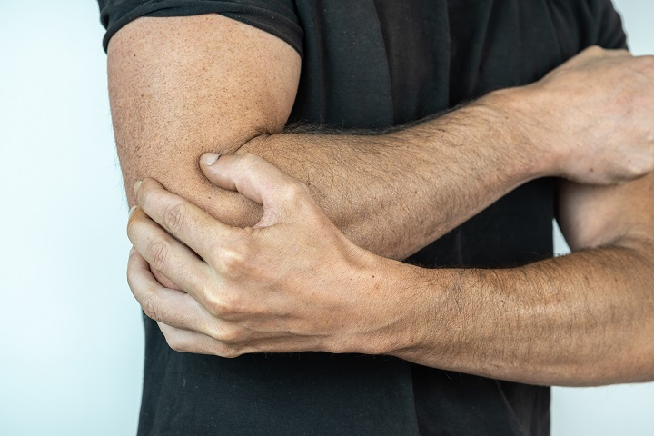 fájdalom a könyök ízületeiben edzés közben