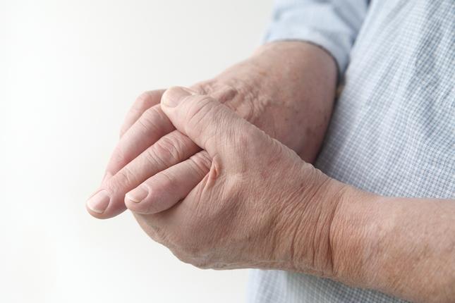 fájdalmak a kis ujjak ízületeiben
