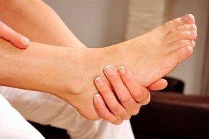 Mi a teendő, ha az ujjak ízületei fájnak: okok és kezelés