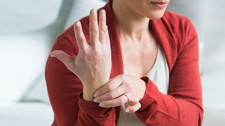 az ízületek ujj fájdalmat okoznak