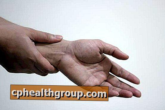 a vállízület fájdalmának panaszai alkohol beállítások ízületi fájdalmak esetén