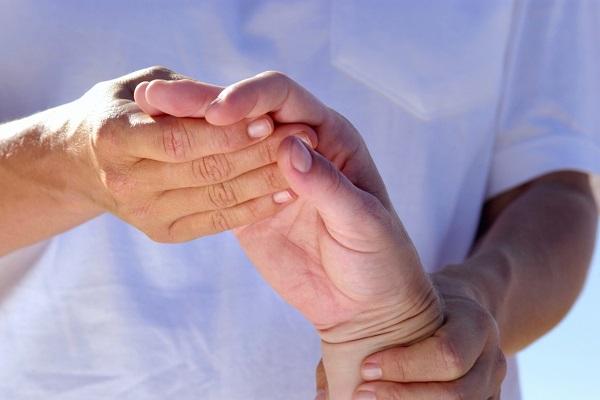 fáradtság gyengeség ízületi fájdalom az egész test ízületei és csontjai fájnak