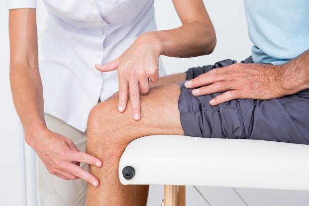 Térd ízületi fájdalom járás közben