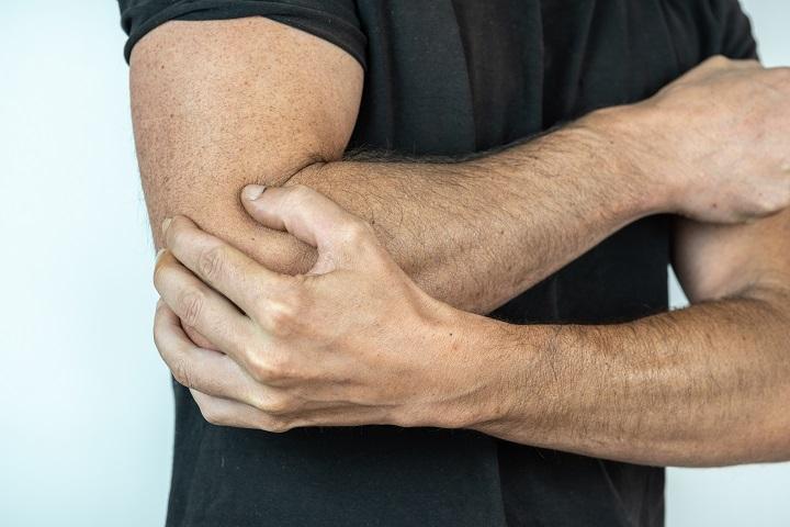 fájdalom és gyengeség a könyökízületekben