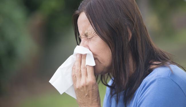 hogyan lehet enyhíteni a duzzanatot a csuklóízületen