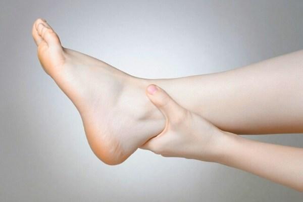 bokaízület duzzanatának kezelése a térd kezelésének deformáló osteoarthritisének jelei