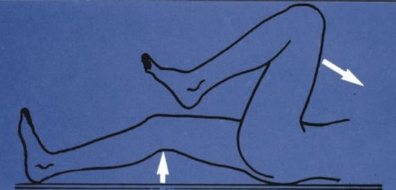 fájdalom a csípőízület felső részén)