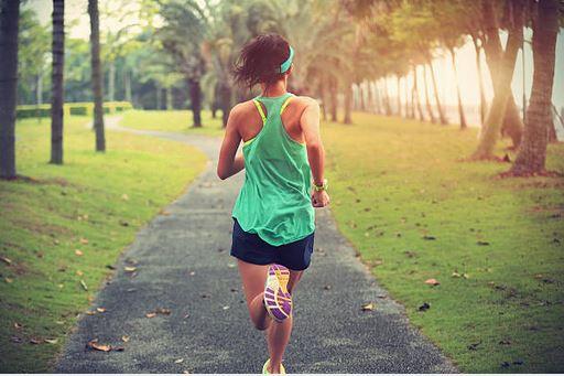 Nem, a futás nem teszi tönkre a térded!