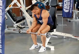 éles fájdalom a könyökízületben edzés közben)