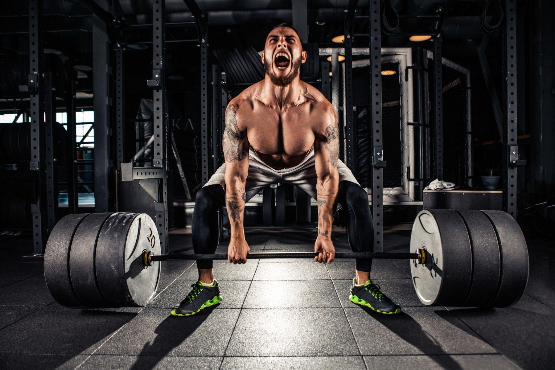 Erőemelő vagy súlyemelő stílusú guggolás?
