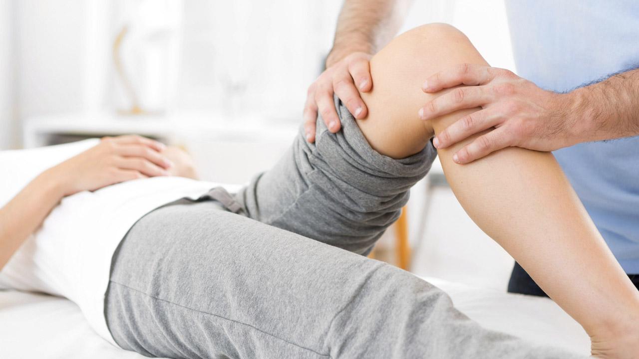 Lábfájdalom járás közben: okok és kezelés