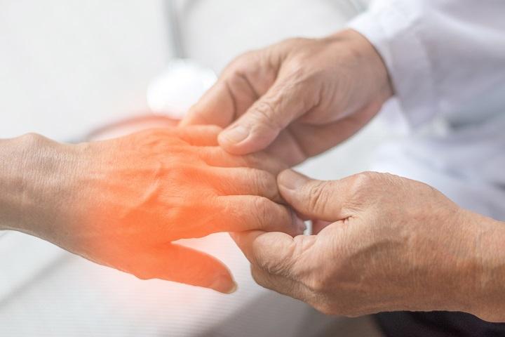 fejfájás fáj a kéz ízületei
