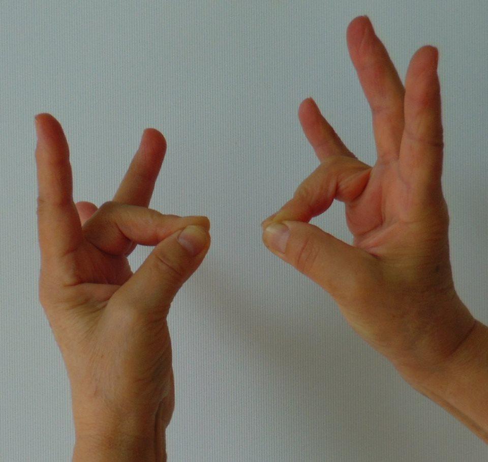 fájó hüvelykujj a kezén az ízületben
