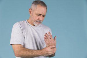 Égő fájdalom a kézben: így enyhíthetjük az ízületi gyulladást - EgészségKalauz